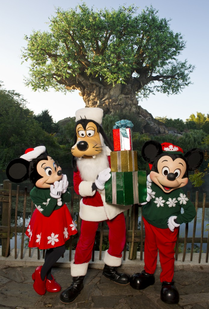 mickey minnie and goofy dressed for the holidays - Disney Christmas Characters