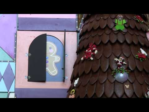 Holiday Decorations at Disney's Contemporary Resort: Day 6 – 25 Days of Christmas